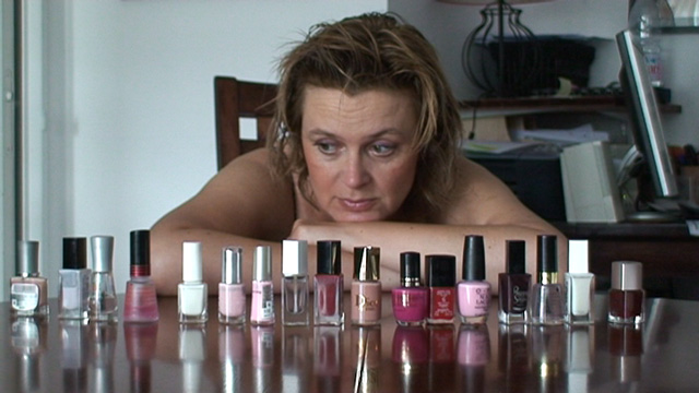 Quel vernis ? Le rose, le rouge, ou bien la French ?