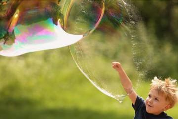 enfant bulles savon